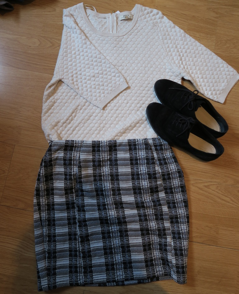 sale-haul-monochrome-outfit